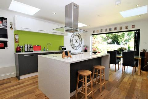 3 bedroom semi-detached house for sale - Bromley Crescent, Bromley