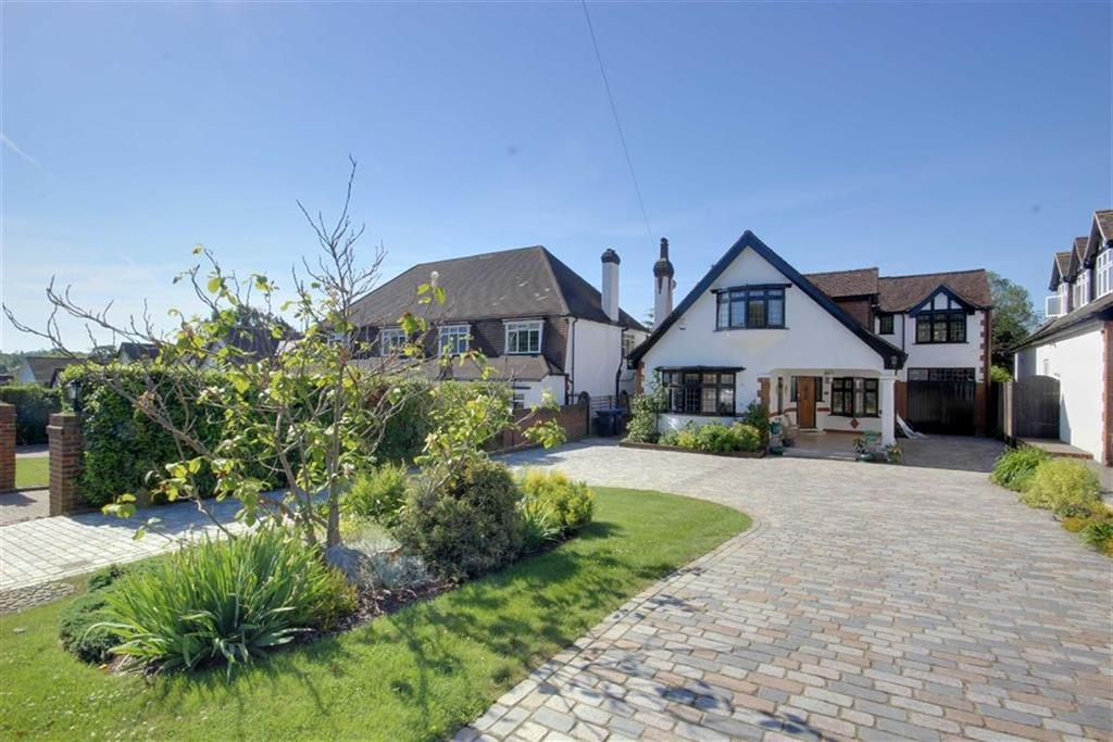 4 Bedrooms Detached House for sale in Georges Wood Road, Brookmans Park, Hertfordshire