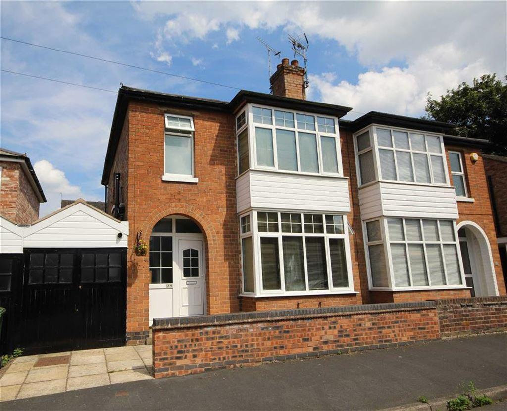 3 Bedrooms Semi Detached House for sale in Wathen Road, Leamington Spa, Warwickshire, CV32