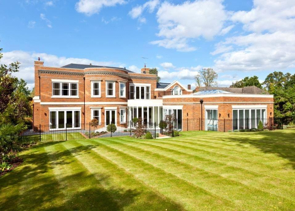 7 Bedrooms Detached House for sale in Leys Road, Oxshott, Surrey, KT22