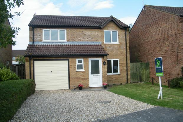 3 Bedrooms Detached House for sale in Corden Close, Skegness, PE25
