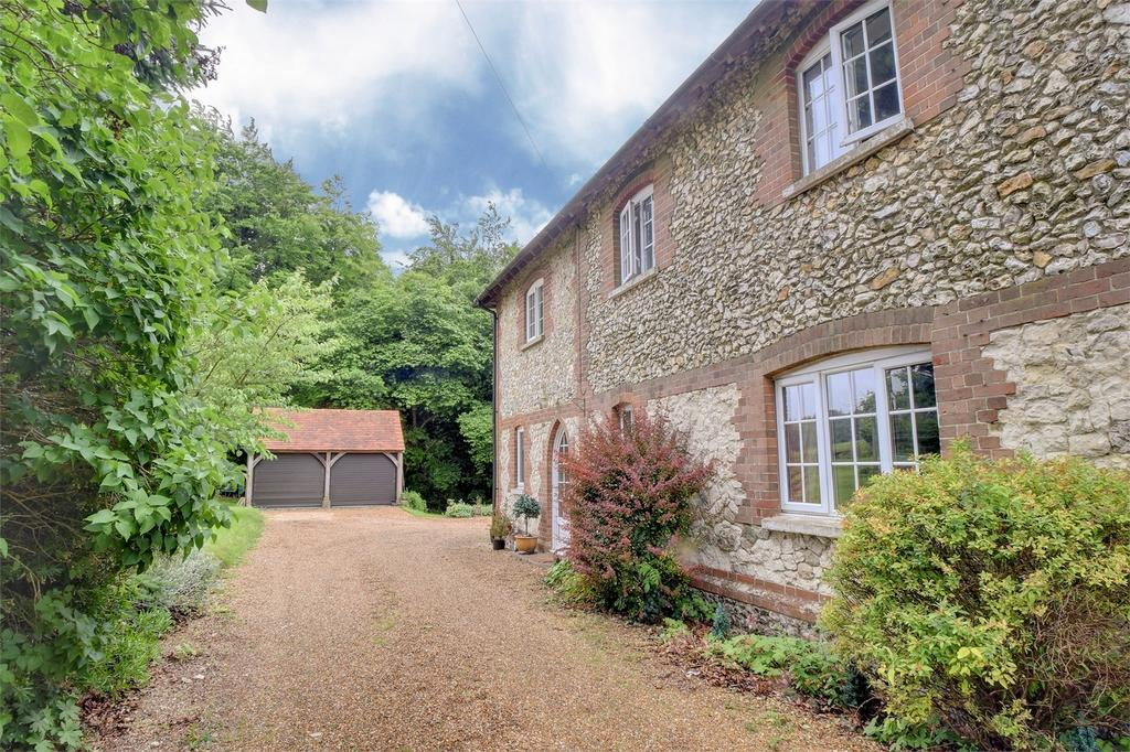 4 Bedrooms Semi Detached House for sale in Bordean, PETERSFIELD, Hampshire