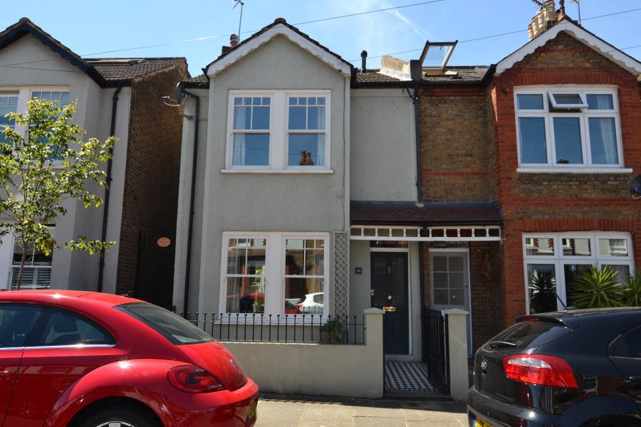 5 Bedrooms End Of Terrace House for sale in Crane Road, Twickenham, TW2
