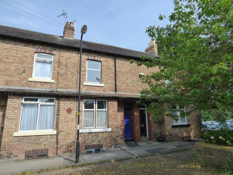 3 Bedrooms Terraced House for sale in VICTORIA GROVE, RIPON, HG4 1LG