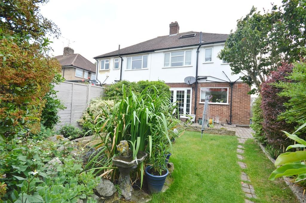 3 Bedrooms Semi Detached House for sale in Hunters Lane, Watford, Hertfordshire, WD25