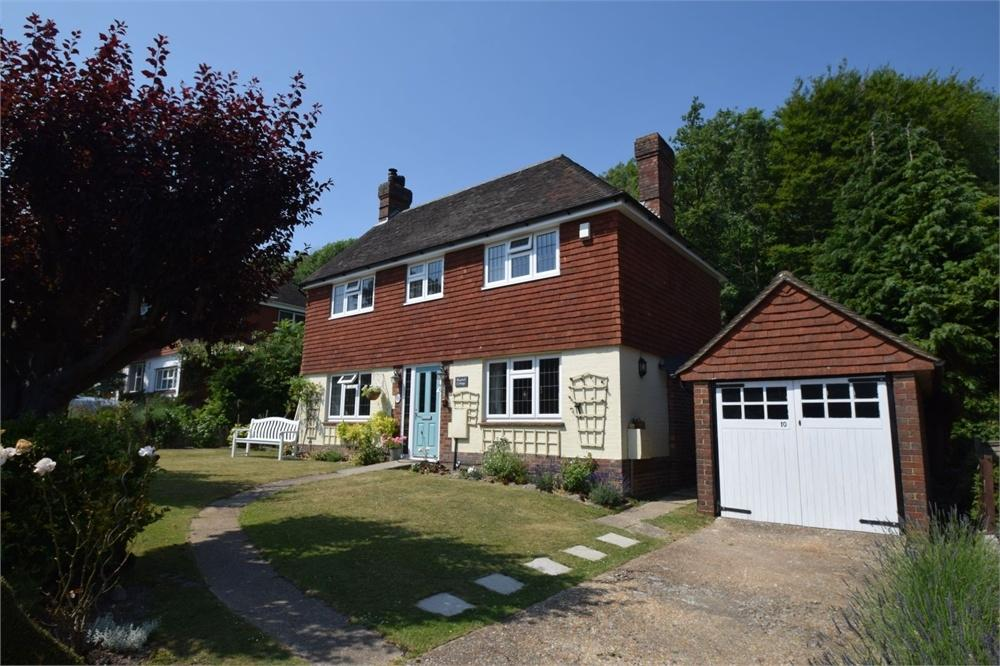 3 Bedrooms Detached House for sale in Parkway, Ratton, East Sussex