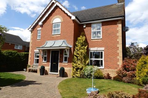 4 bedroom detached house to rent - LANDALEWOOD ROAD, CLIFTON MOOR, YO30 4SX