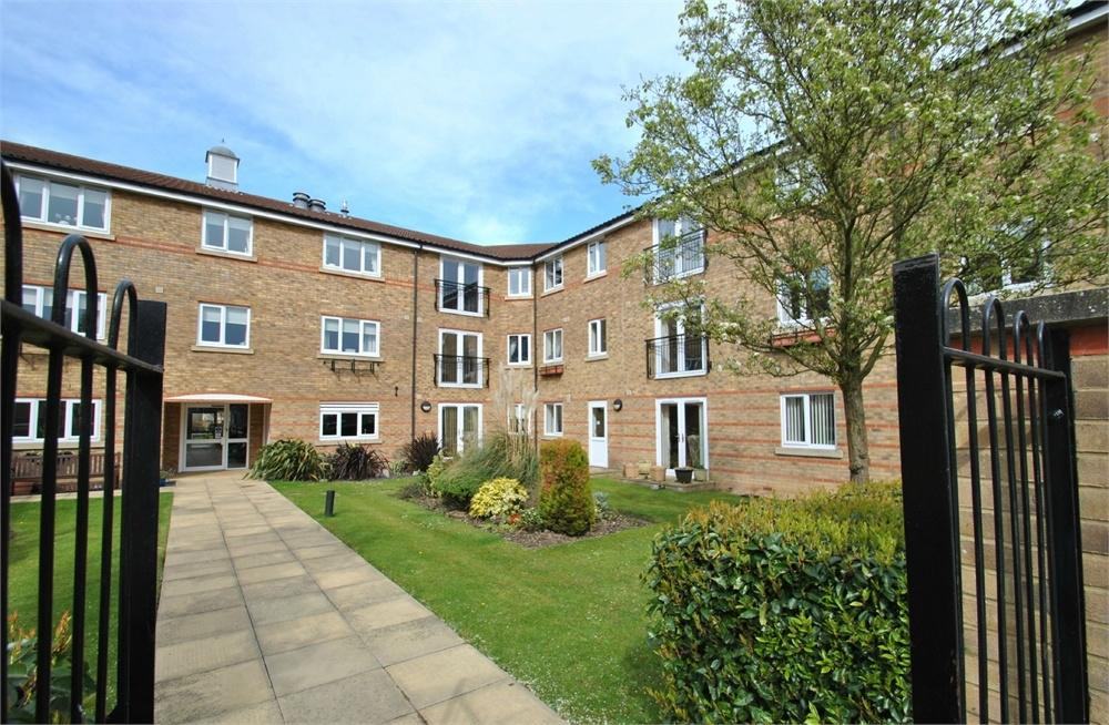 2 Bedrooms Flat for sale in Nottage Crescent, BRAINTREE, Essex