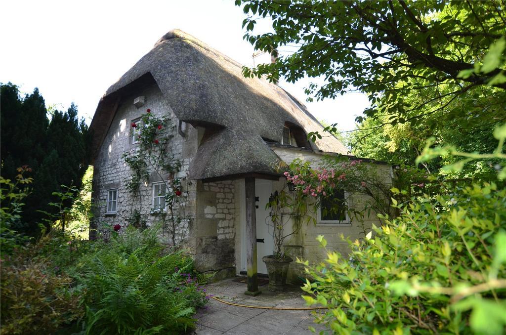 2 Bedrooms Detached House for sale in Dyer Lane, Wylye, Warminster, Wiltshire, BA12