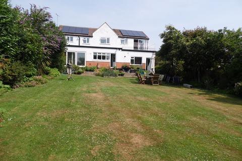 4 bedroom detached house for sale - Aldermans Hill, Hockley