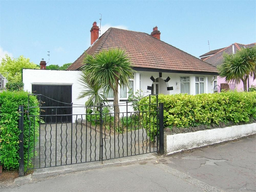 3 Bedrooms Detached Bungalow for sale in Fidlas Road, Llanishen, Cardiff