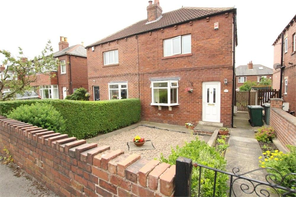 2 Bedrooms Semi Detached House for sale in Royds Avenue, BIRKENSHAW, West Yorkshire