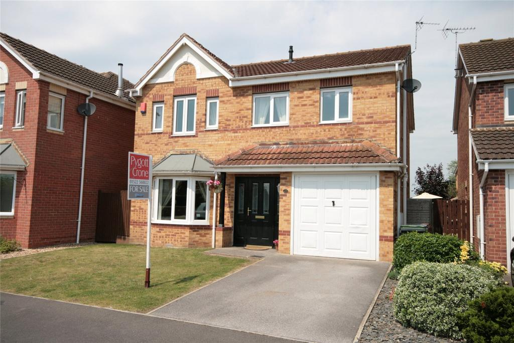 4 Bedrooms Detached House for sale in Richmond Drive, North Hykeham, LN6