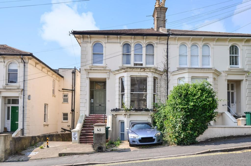 1 Bedroom Flat for sale in Old Shoreham Road Brighton East Sussex BN1