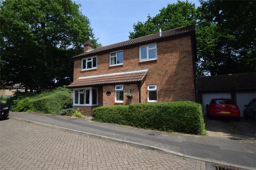 4 Bedrooms Detached House for sale in Oaks Dene, Walderslade Woods, Kent