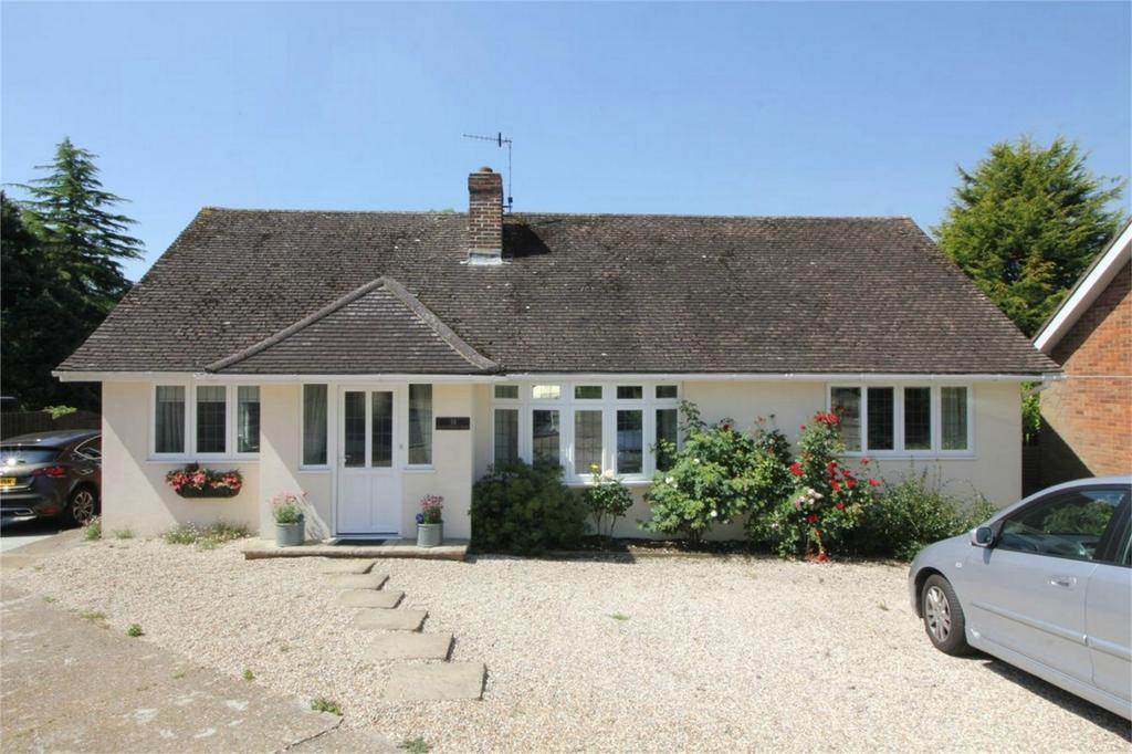 3 Bedrooms Detached Bungalow for sale in 31 Claverham Way, BATTLE, East Sussex