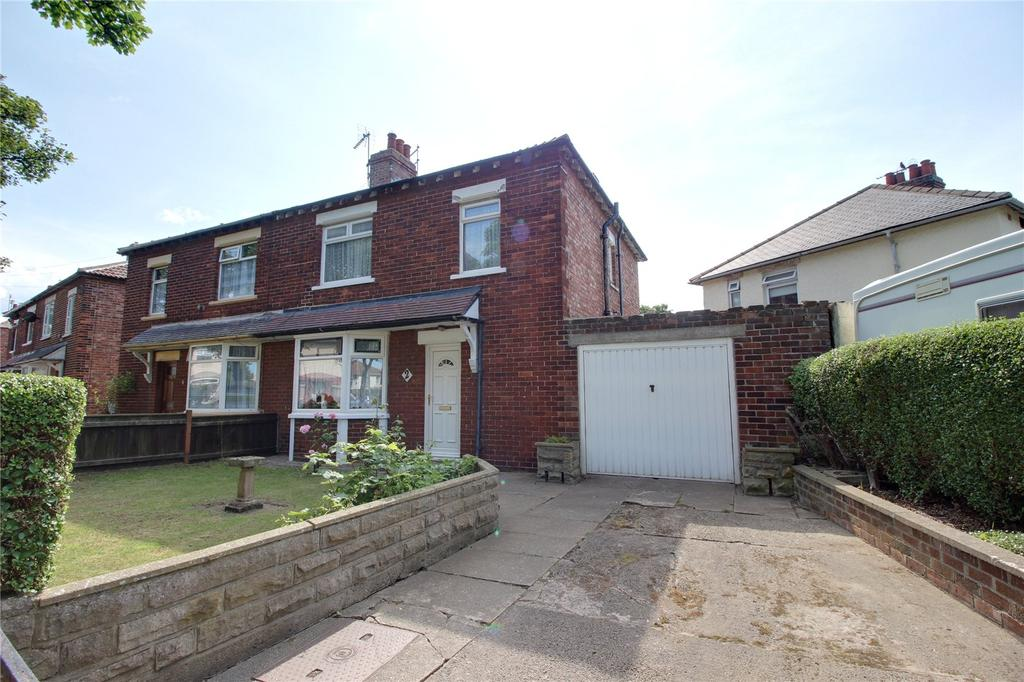 3 Bedrooms Semi Detached House for sale in Laburnum Road, Redcar