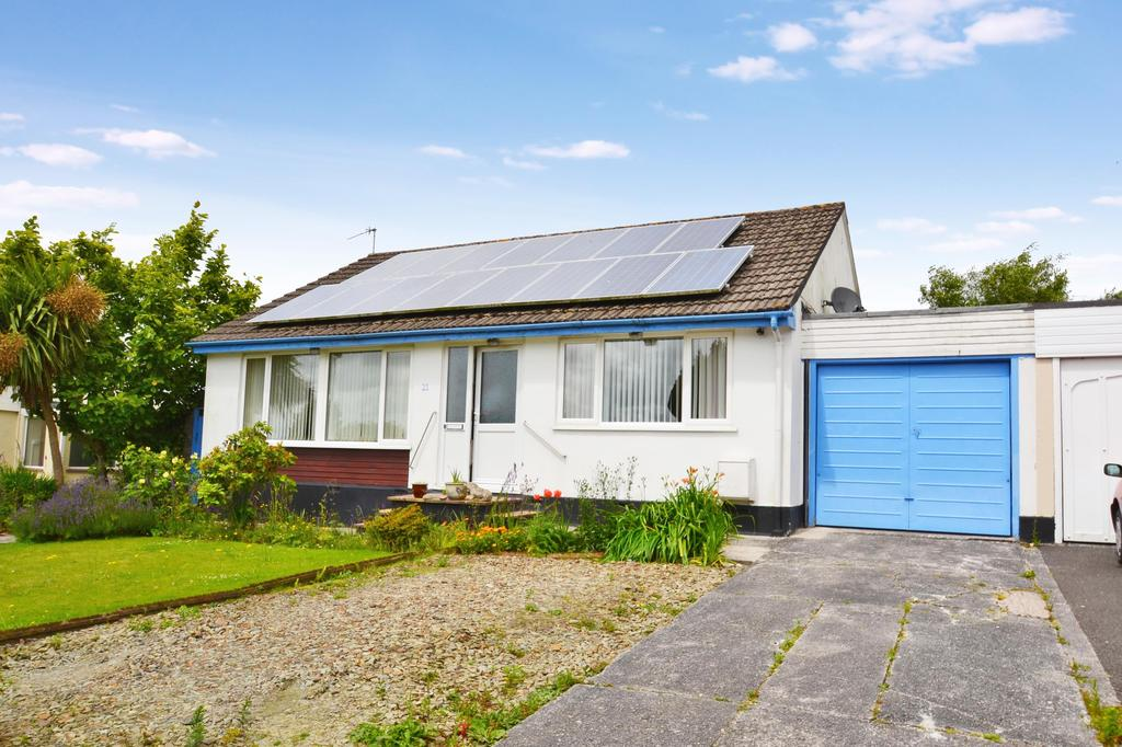 3 Bedrooms Detached Bungalow for sale in Whitestone Crescent, Bodmin