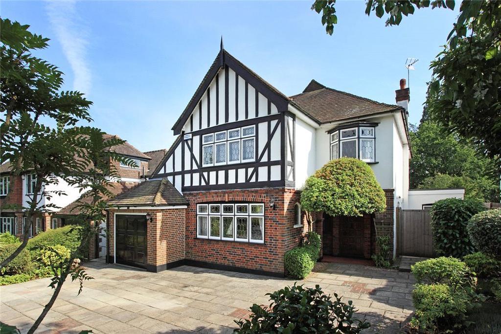 4 Bedrooms Detached House for sale in Lyndhurst Drive, Sevenoaks, Kent, TN13