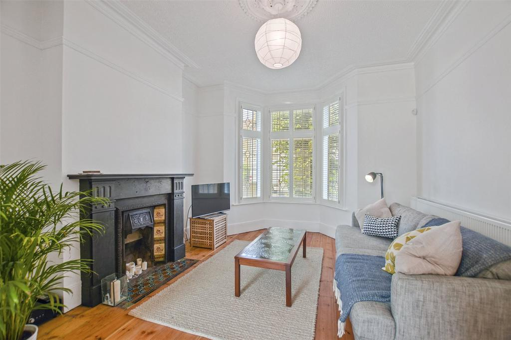 4 Bedrooms Terraced House for sale in Second Avenue, London, E12