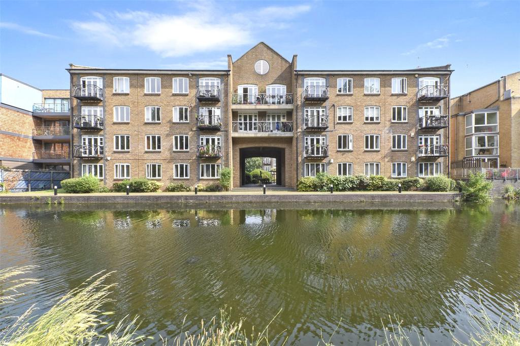 2 Bedrooms Flat for sale in Old Ford Road, London, E3