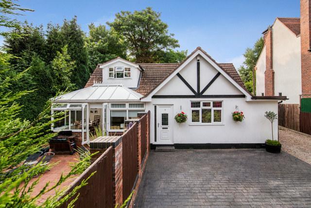 5 Bedrooms Bungalow for sale in Jordan Road,Four Oaks,Sutton Coldfield