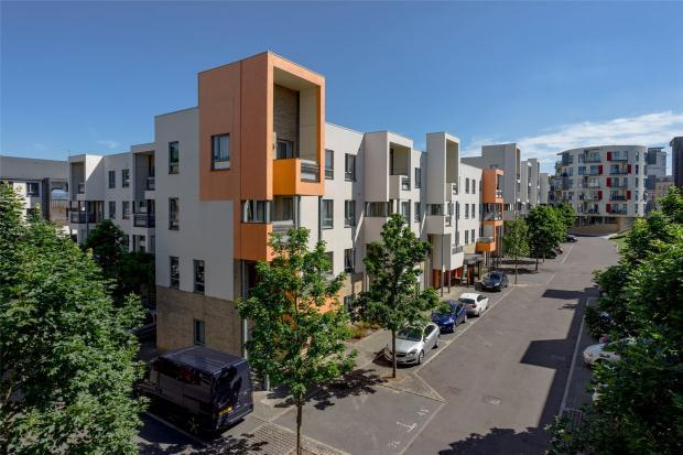 2 Bedrooms Apartment Flat for sale in Glenalmond Avenue, Cambridge, Cambridgeshire