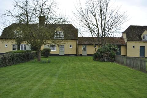 4 bedroom terraced house to rent - High Street, Chippenham