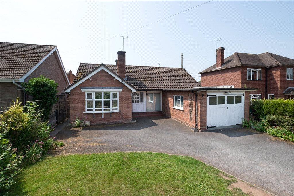 3 Bedrooms Detached Bungalow for sale in Kings Acre Road, Hereford, HR4