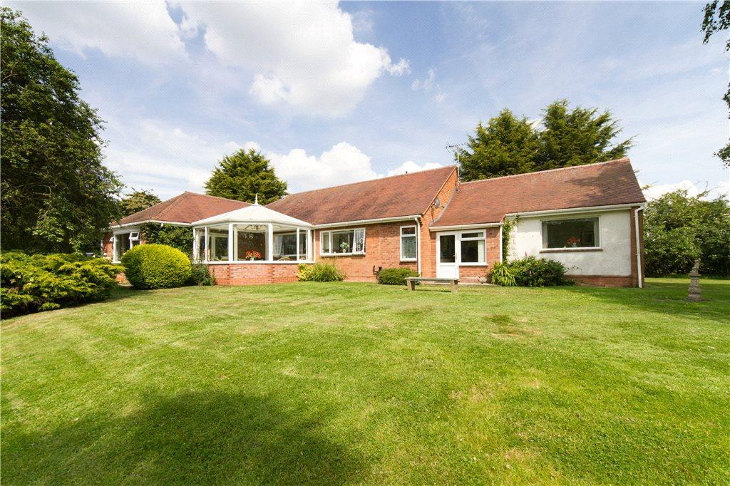 4 Bedrooms Detached Bungalow for sale in Hollybed Street, Castlemorton, Malvern, Worcestershire, WR13