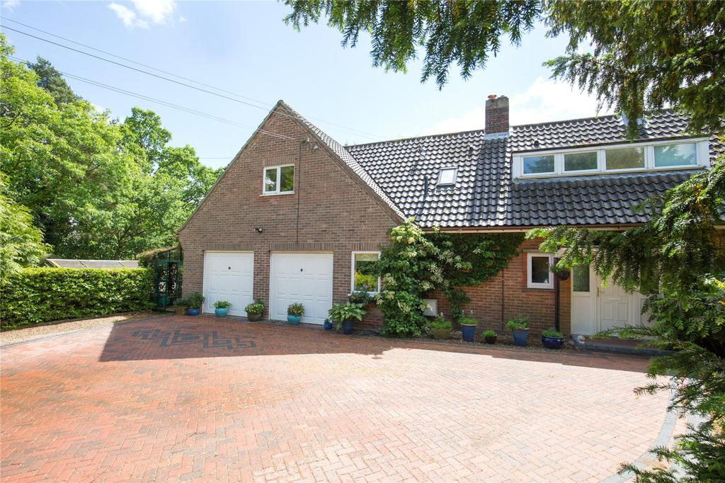 6 Bedrooms Detached House for sale in Brundall Road, Blofield, Norfolk, NR13