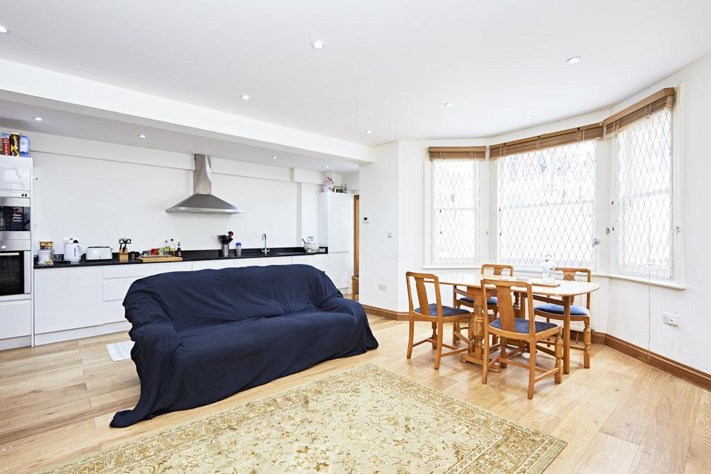 2 Bedrooms Flat for sale in Stanwick Road, West Kensington, London, W14