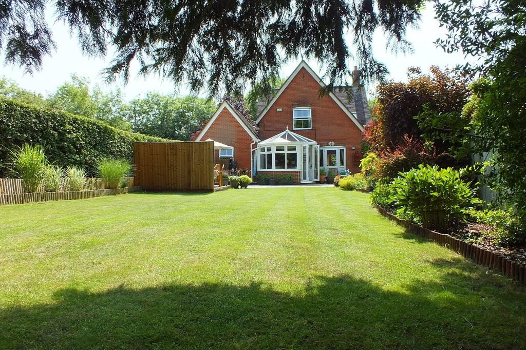 4 Bedrooms Detached House for sale in Minety