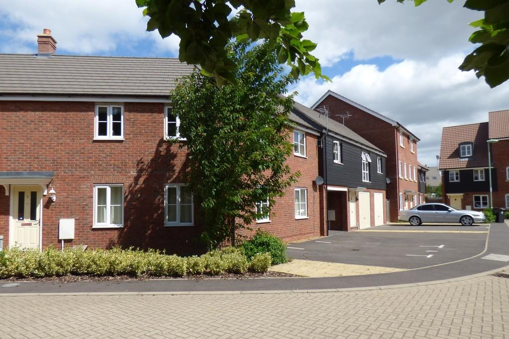 2 Bedrooms Apartment Flat for sale in Lime Close, Red Lodge