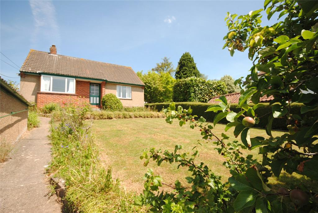 3 Bedrooms Detached Bungalow for sale in Old Coach Road, Cross, Axbridge, BS26