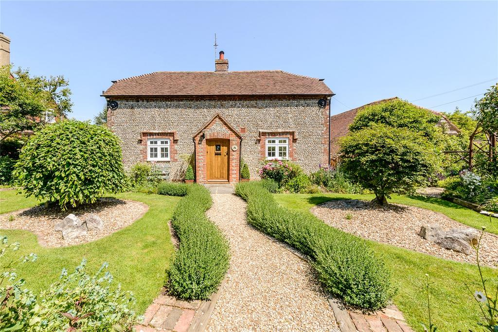 3 Bedrooms Detached House for sale in Dairy Lane, Maudlin, Chichester, West Sussex