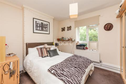 3 bedroom flat to rent - Whites Square, SW4