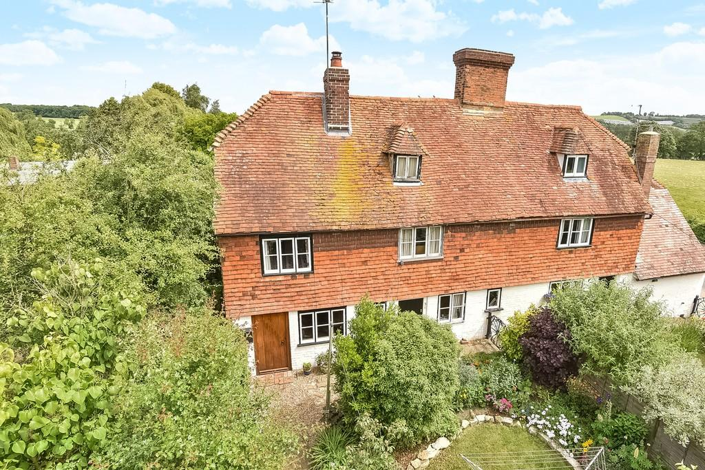 3 Bedrooms Cottage House for sale in Maidstone Road, Nettlestead, Maidstone