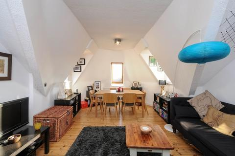 2 bedroom apartment to rent - Mount View Road London N4