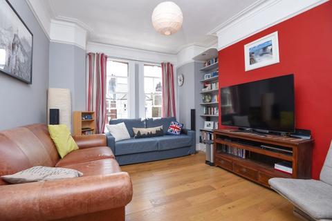 2 bedroom flat to rent - Cambridge Road London SW11