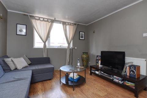 1 bedroom flat to rent - Hanson Close London SW12
