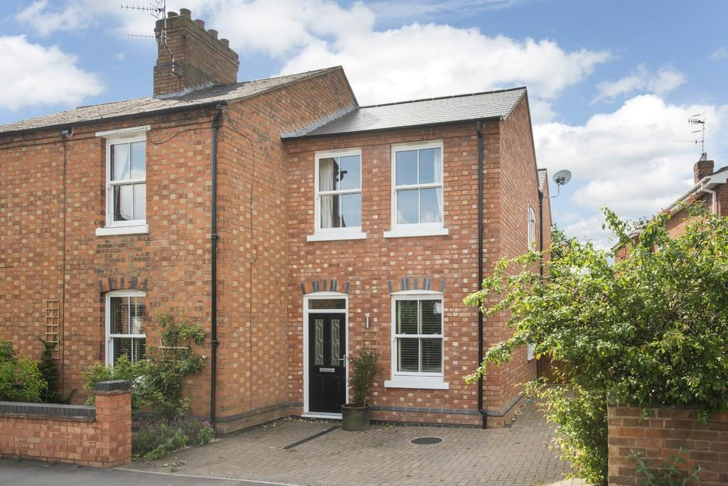 4 Bedrooms Semi Detached House for sale in Maidenhead Road, Stratford-Upon-Avon