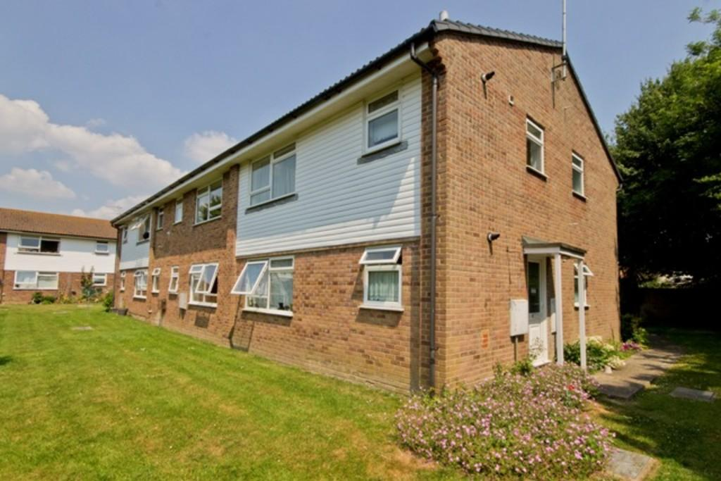 2 Bedrooms Apartment Flat for sale in Upper Beeding