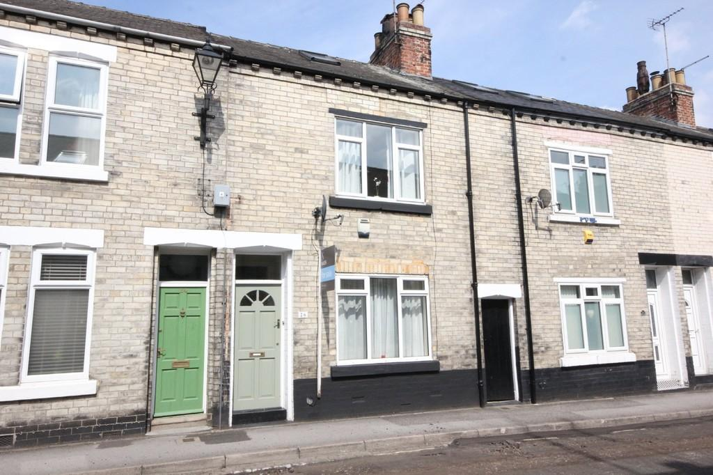 2 Bedrooms Terraced House for sale in Moss Street, Off Blossom Street, York