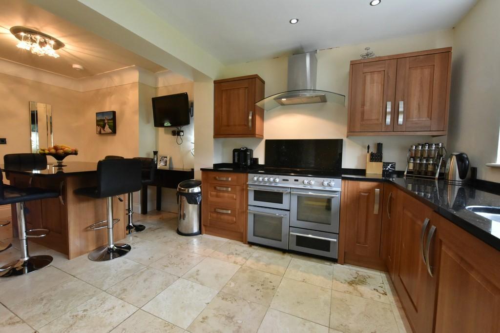 3 Bedrooms Semi Detached House for sale in Heyescroft, Bickerstaffe