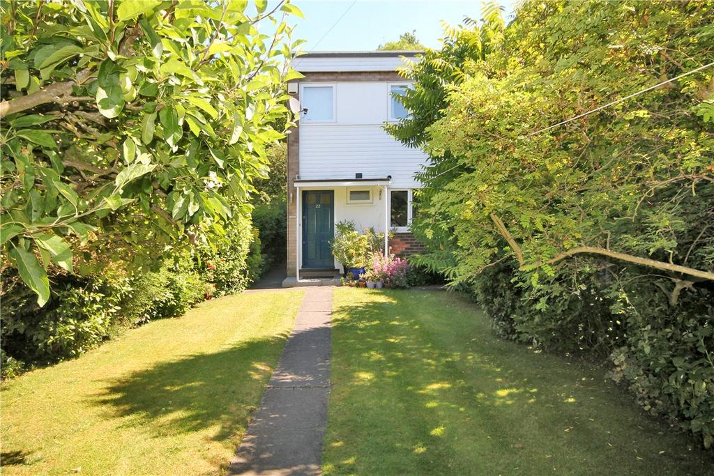 3 Bedrooms Terraced House for sale in Canterbury Close, Cambridge, CB4