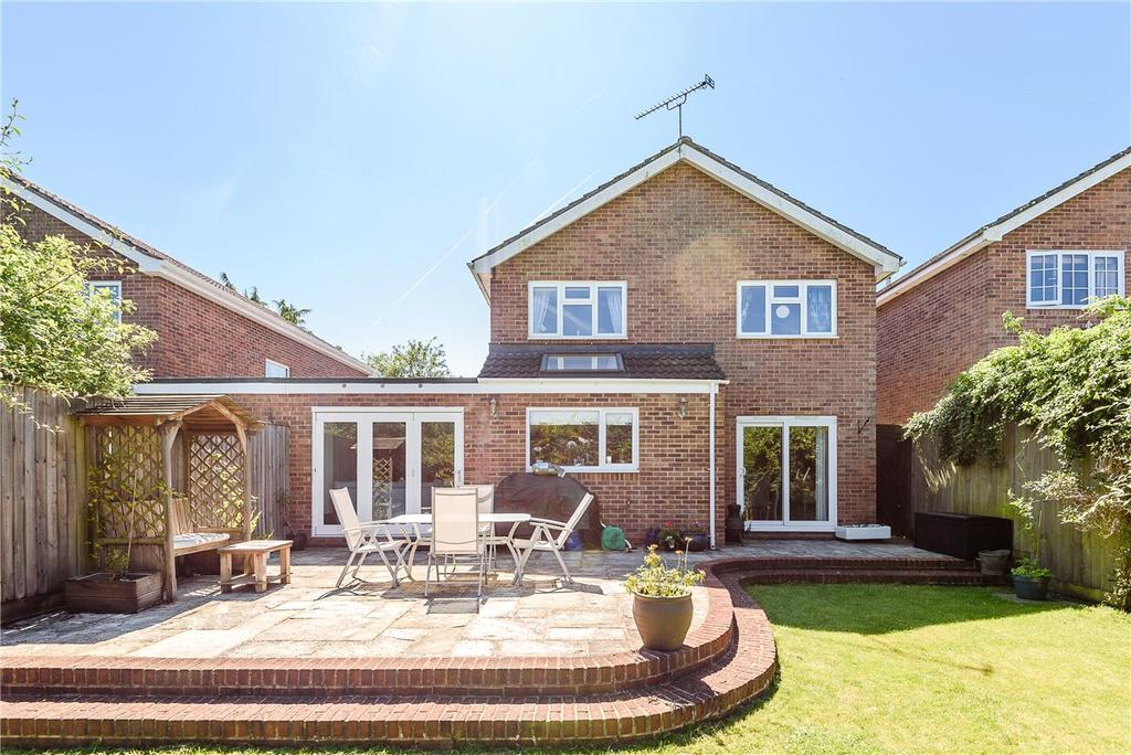 4 Bedrooms Detached House for sale in Priorsfield, Marlborough, Wiltshire, SN8
