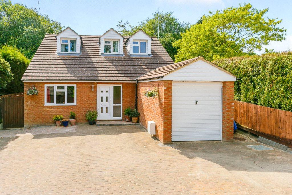 4 Bedrooms Detached House for sale in Ecton Lane, Sywell, Northampton, NN6