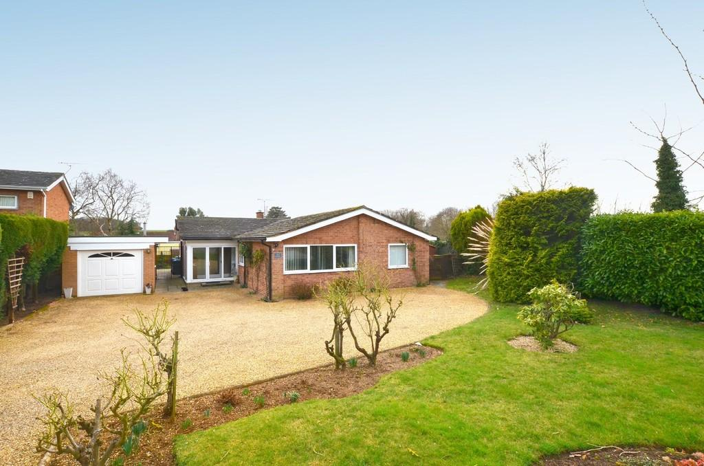 4 Bedrooms Detached Bungalow for sale in Church Lane, Playford