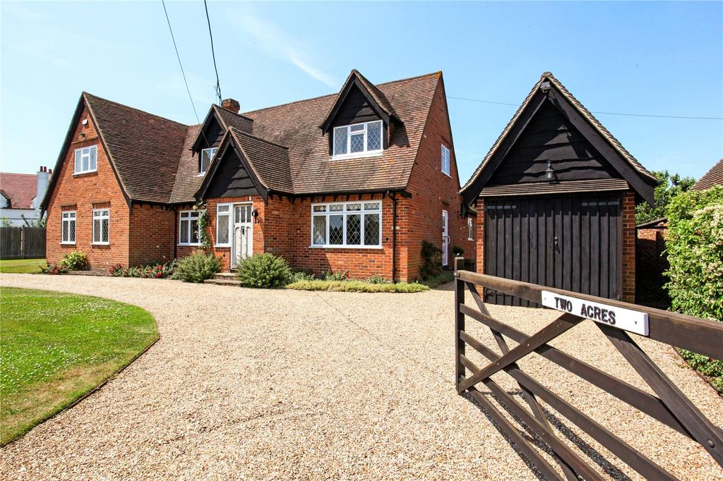 3 Bedrooms Detached House for sale in Money Row Green, Holyport, Maidenhead, Berkshire, SL6